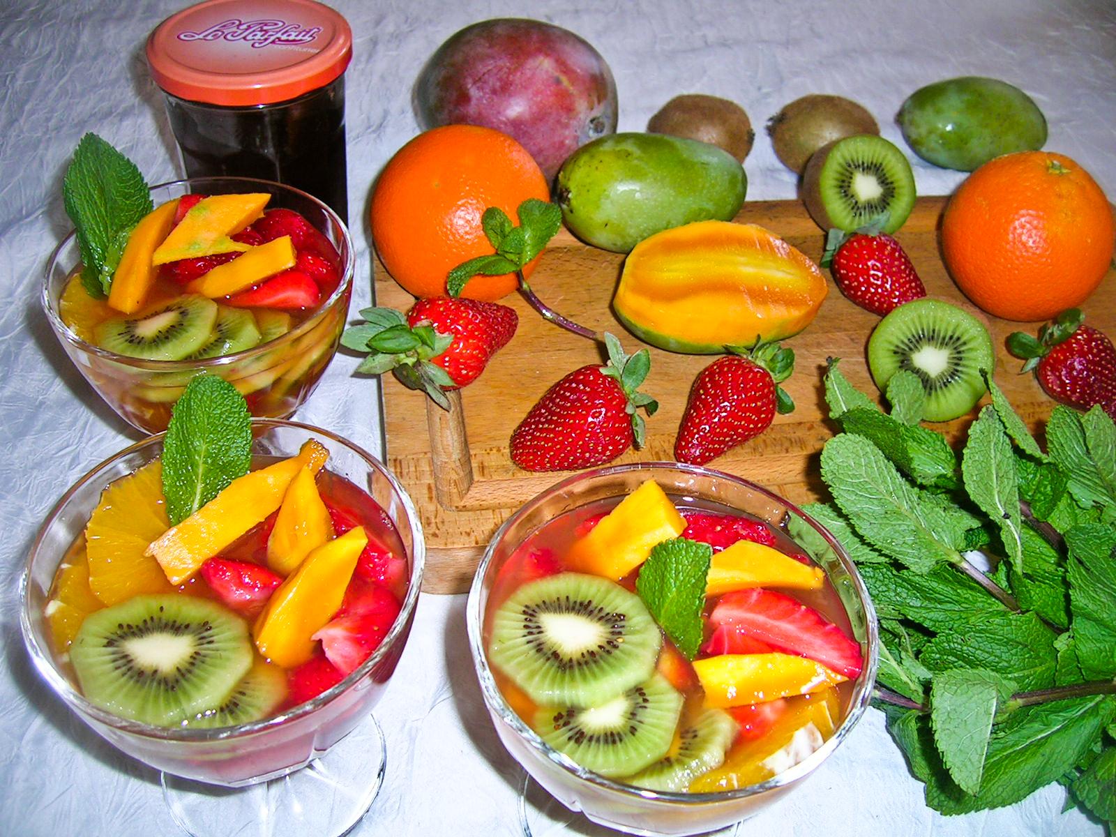 salade de fruits frais cuisine divine salade de fruits frais voyage au coeur des saveurs. Black Bedroom Furniture Sets. Home Design Ideas