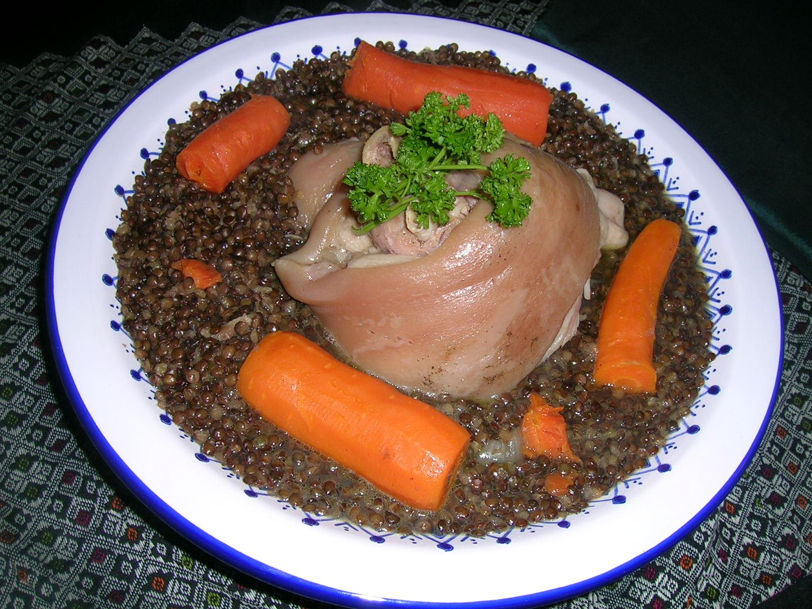 Jarret de porc aux lentilles cuisine divine jarret de porc aux lentilles voyage au coeur des - Joue de porc cocotte minute ...